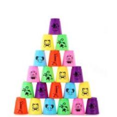 Fejlesztő játékok poharakkal